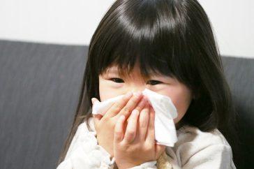 子供の蓄膿症(慢性副鼻腔炎)は、どうすれば治るの?