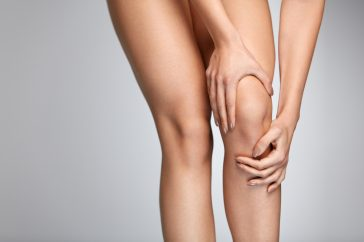 変形性膝関節症の原因とメカニズム ― 再発を防ぐことはできる?