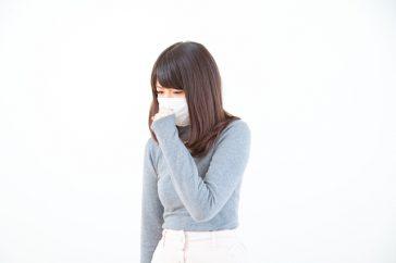 咳が止まらないインフルエンザは肺炎合併かも?見分け方はある?