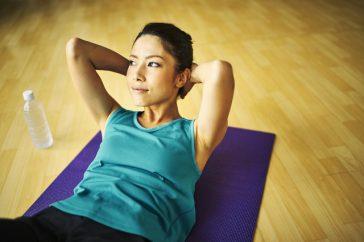 便秘解消におすすめの体操とは?高齢者や妊婦にもできるものはある?