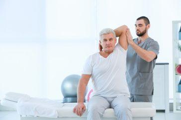 脳梗塞の麻痺はリハビリで治そう!-期間や方法を解説