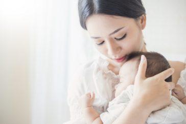 赤ちゃんが乳糖不耐症になる原因は?症状はいつまでに治るの?