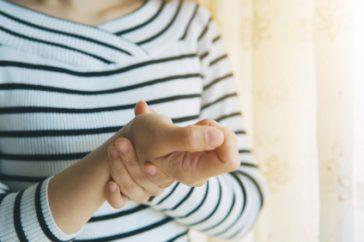 手首に起こる腱鞘炎、ドケルバン病ってどんな病気?