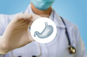 胃の検査、バリウムと胃カメラのどちらがラク?