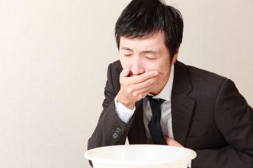 突然吐血した!これって胃潰瘍が原因?対処法とともに詳しく解説!