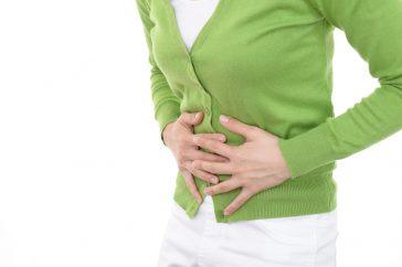 胃潰瘍には初期症状があるの?病院へ行くべきサインは?