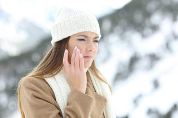 乾燥が肌荒れの原因?スキンケアで肌荒れはよくなる?