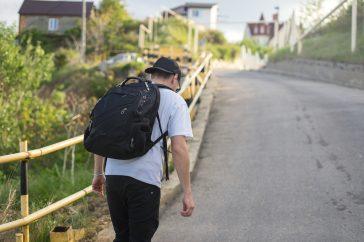 階段を上がると息切れするのは運動不足のせい?それとも病気?