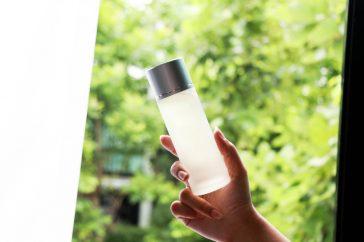 乾燥肌の人の化粧水選びのポイントは?どんな成分に注意が必要?