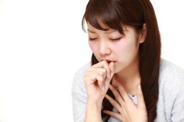 暖房と過剰な加湿が咳を招く!? 冬のカビに要注意