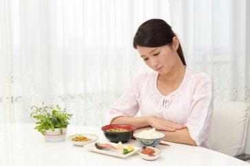 胃腸炎のとき、食事は絶食すべき?それとも食べるべき?