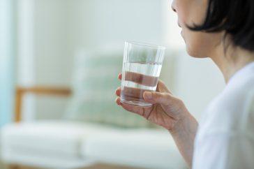 尿路結石の予防、食事面で気をつけることは?水分補給も大事なの?