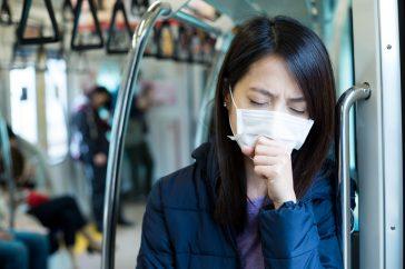 声が出ない、喉がイガイガするときに考えられる「急性咽頭炎」とは?