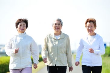 運動でフレイル予防! 筋トレとウォーキングを始めよう