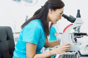 ピロリ菌検査ってどんなことをするの?費用ってどのくらいかかる?