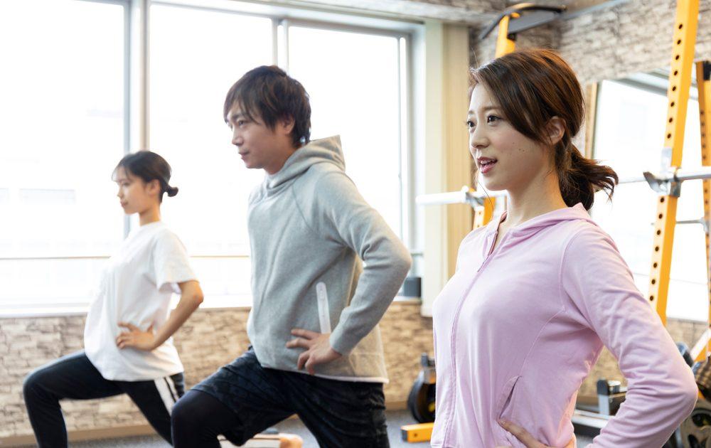 高血圧予防で有酸素運動に励む30代の男女